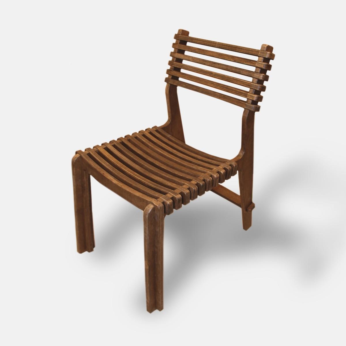 Кухонный стул из дерева